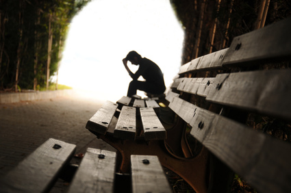 Das Gefühl der Einsamkeit geht oft mit Depressionen einher.