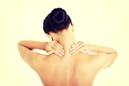 Bei rückenschmerzen sollte man sich bewegen, z.B. durch Yoga.
