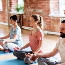 Was hat Yoga mit Bier zu tun? Lass Dich von vier neuen Yoga-Stilen inspirieren